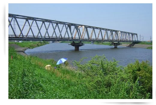 手賀川と成田線の風景