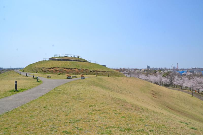 牧の原公園の築山の頂上