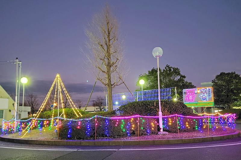 成田線小林駅前のイルミネーション
