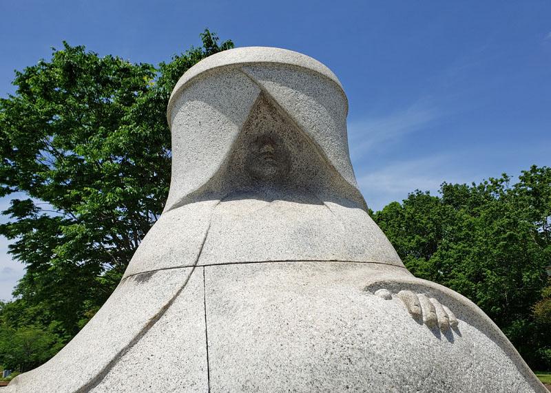 松虫姫公園の牛の像の松虫姫