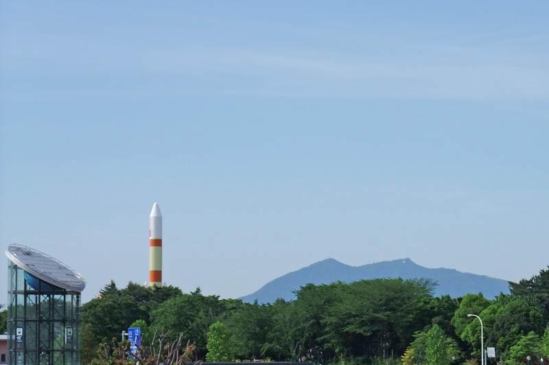 つくばエキスポセンターと筑波山